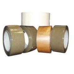 Découvrez notre ruban adhésif PP solvant neutre, ici on voit plusieurs rouleaux de différentes couleurs posés les uns sur les autres.